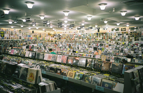 stuartsometimes:  amoeba records by FatMandy on Flickr.  Amoeba Records SF! =D