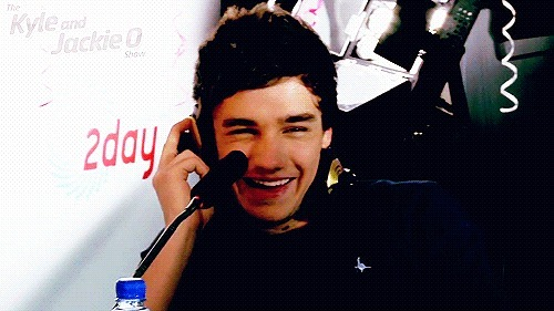 dear-directioners:  his smile is honestly the best.