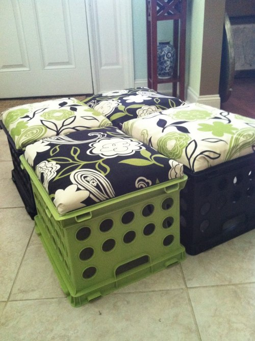 craftjunkie:  Crate Seats {How to} Found at: tupelohoneycaro