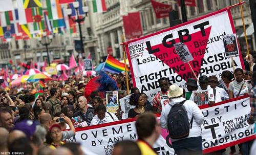 gaywrites:  World Pride 2012 in London. Around 25,000 people took part in the march, which celebrated its 40th anniversary this year. More.