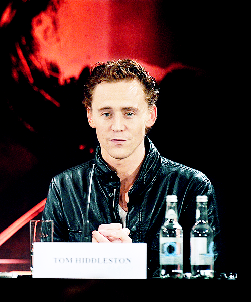 087/100 | Tom Hiddleston