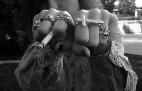 ettes gril hipster hipster gril hipster rings dark black and white