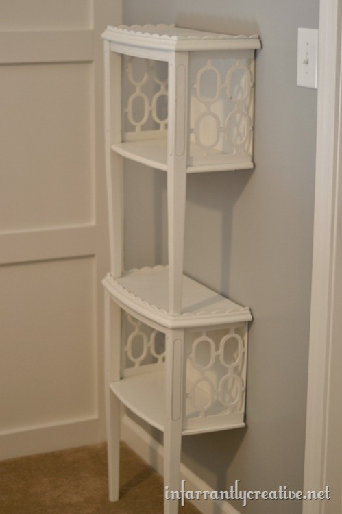 I am in LOVE with this shelf made from a halved and stacked end table. Click through for the tutorial for this perfect and chic way to organize and display your things. It's the best of both book shelf and accent table! I wish I could try it, but with college on the horizon it just doesn't make much sense. I'll have to try it once I have my own place, and I hope you give it a go yourselves :)