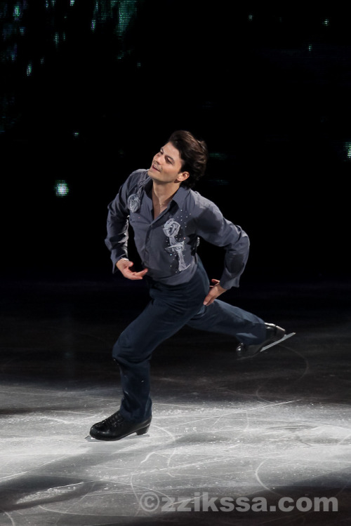 beautiful-shapes:  Stéphane Lambiel ATSS 2011