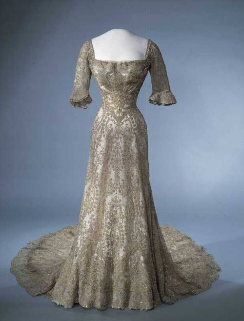 omgthatdress:  Dress 1902-1906 Nasjonalmuseet for Kunst, Arketektur og Design