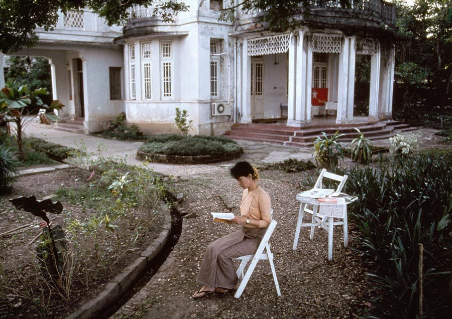 Aung San Suu Kyi, Burma, winner of the Nobel Peace Prize in 1991 To read is to fly: it is to soar to a point of vantage which gives a view over  wide terrains of history, human variety, ideas, shared experience and the fruits of many inquiries.- A. C. Grayling (via To Fly « Steve McCurry's Blog)