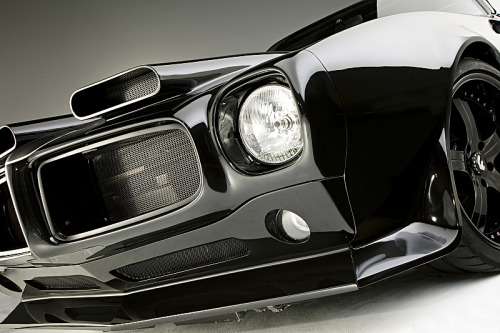 Firebird Blackhawk This 1970 model Pontiac Firebird by All Speed Customs (ASC), is another ground up build but this one is intended to be a high-performance daily driver.  To some, the '70 Firebird is considered one of the best bodied Firebirds ever to hit the road and ASC made it even better. It has an impressive list of features including an in-house built 454cu Pontiac twin turbo EFI engine, a DSE suspension, Wilwood brake kit, Tremec transmission, a brand new custom leather interior with racing seats & stereo system, and tons more. Some seriously well thought out body modifications give the car an updated look while still keeping it's classic muscle shape. It's an amazingly thorough build which keeps the soul of this bird alive, but gives it a bit more fire. It has plenty of experience on the street & track and all 1200hp is intended to be used daily. You can see more build photos here.