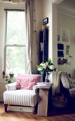 wherehappylives:  (via sneak peek: julie pointer | Design*Sponge)