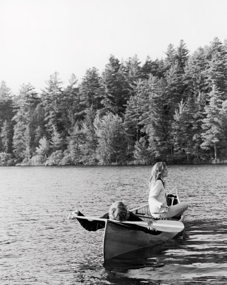 coldwindandiron:  Saturday morning dates out on the canoe.