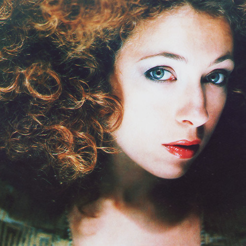 "Doctor Who cast ⟶ Alex Kingston""The stories allow for a heightened form of acting. It's not kitchen-sink drama and the dialogue can be quite challenging. The humour is very welcome and I love the fact that apart from the basic storylines there are all sorts of things people from different generations can pick up on."""