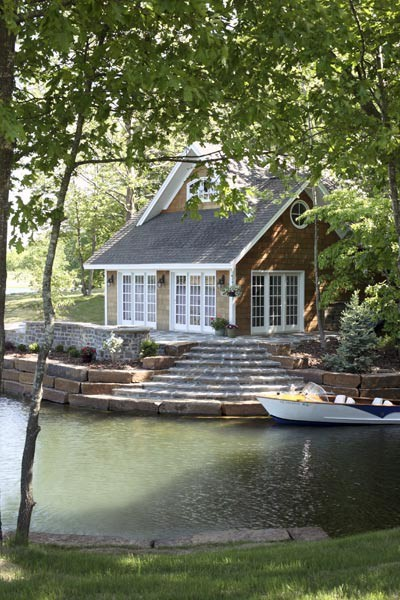 connecticut-prepster:  love the entrance to the lake