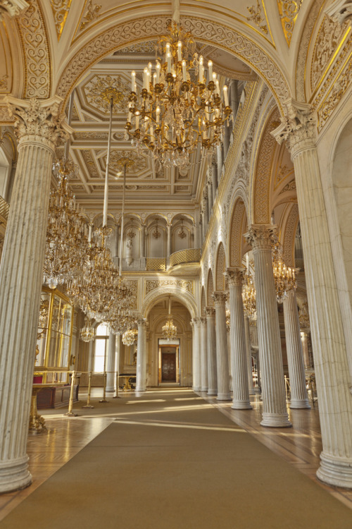 travelingcolors:  Hermitage Museum, Saint Petersburg | Russia (by Eric Esquivel)