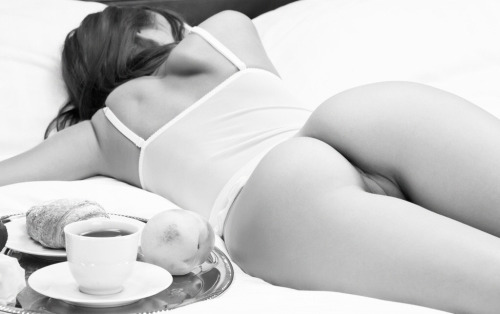 beautifulnakedladies:  Bogdana  I want the kind of night the involves breakfast in bed the next morning.