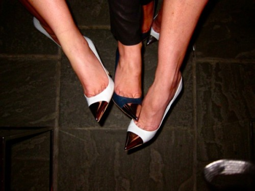 the-parisianist:  Louis Vuitton metallic point toe pumps