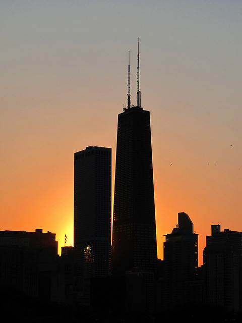 travelingcolors:  Chicago Sunset | Illinois (by livinginacity)