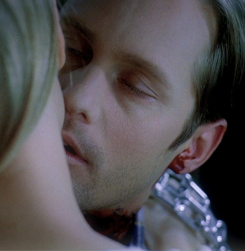 35/50 Eric Northman's Screencaps