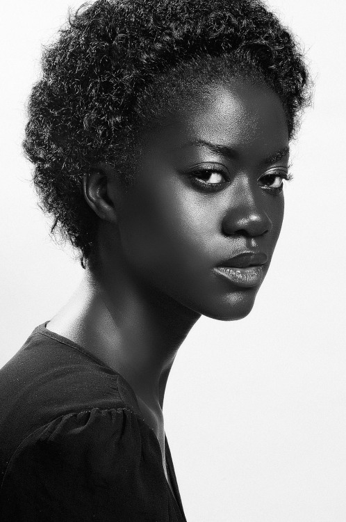 marioepanya:  Soon …My first Article as a Black Beauty Expert @BIBLOND .COM ,Find me every month with new topics,Do and Don't ,Best hair and Makeup products on the Market and many many more suprises… I'll do better than Carrie Bradshaw …
