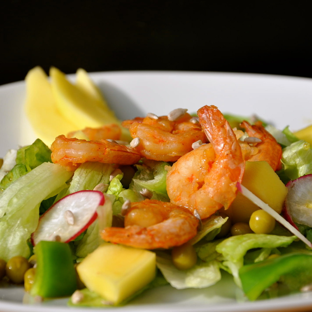 FoodShot #35: Salad with shrimps Target: Lose Weight Preparation time: 50 minutes Serving: 529 g Calories: 412,5  Protein: 16,1 g Fat: 15,3 g Carbohydrates: 60,5 g Get The Recipe Visit Daybite.com