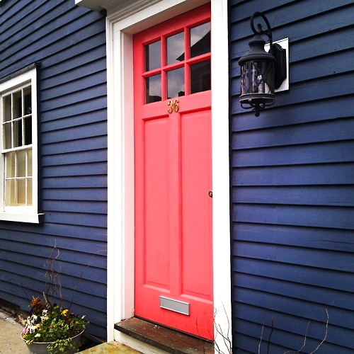 thesunlightskies:  Love this door