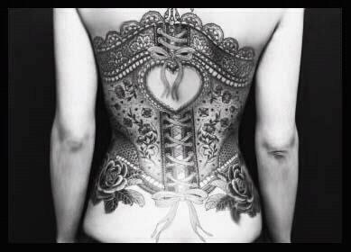 check out more corset tattoos here