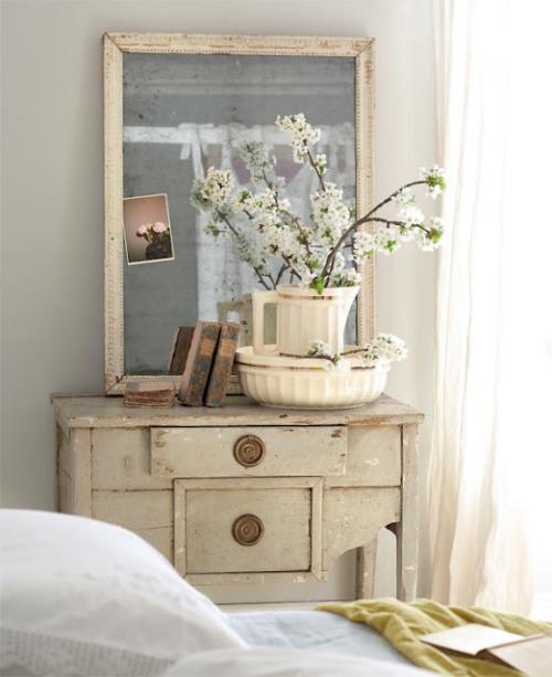 shabby chic lovely bedroom