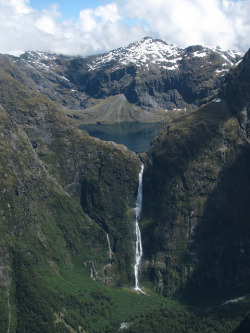 visitheworld:  Sutherland Falls near Milford Sound, South Island, New Zealand (by Dennisworld).