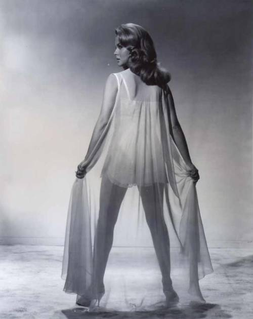 theswinginsixties:  Ann-Margret