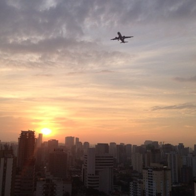Sunset over a Sao Paulo flight path (Taken with Instagram at Quality Moema (Oficial))