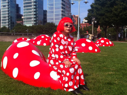 Yayoi Kusama visited her new summer installation on Pier 45 at Christopher Street today. Thanks to the Hudson River Park Trust and Gagosian Gallery for collaborating on this installation!