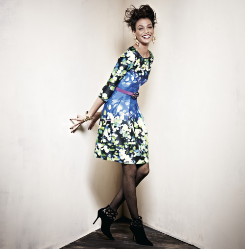 Digital prints - patterns made modern. Printed dress, Oscar de la Renta.
