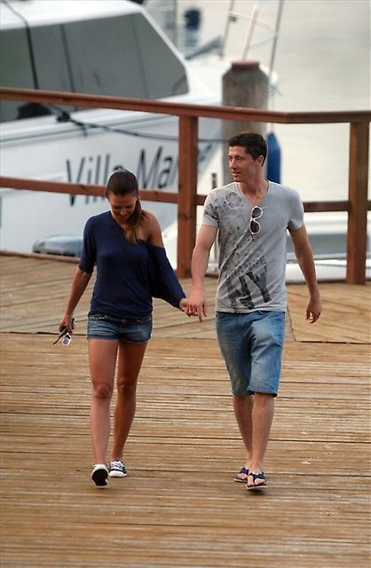 Robert Lewandowski and Anna Stachurska on vacation in Gizycko.