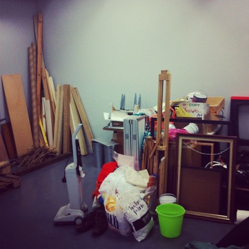 Easels, trestles, tables, hoovers, boots and even some old twigs! Want them? Have them! gallery@the-telfer.com #glasgow #scotland #sale #junk #timber #shop #buy #wetweekend #things #gallery (Taken with Instagram at The Telfer Gallery)