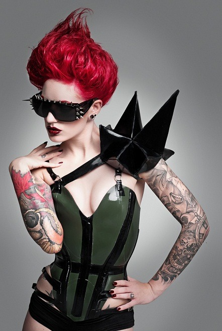 cervenafox:  Cervena Fox by Alex Mills Photography wearing Lacing Lilith Latex