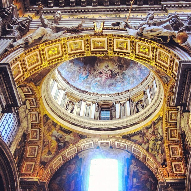 Hot damn that's a nice ceiling (Taken with Instagram at Sistine Chapel)