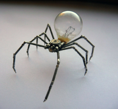 doctormonocle:  Mechanical Arachnid sculpture by A Mechanical Mind