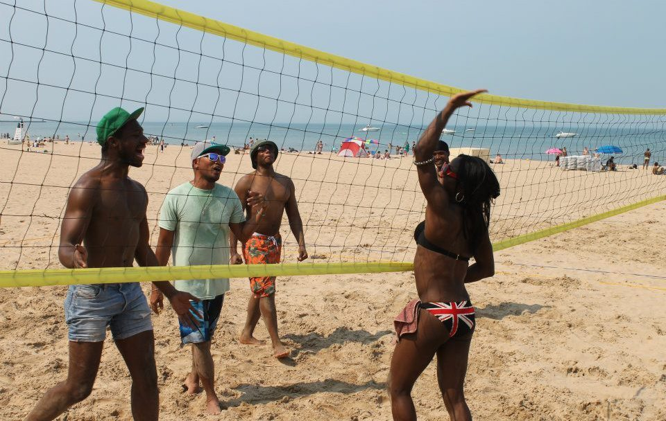 Beach volleyball on Chicago's lakefront is a damn good time!
