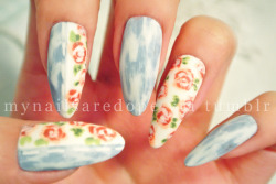 mynailsaredope:  Acid wash light denim stitched with floral! Perfect summer nails!