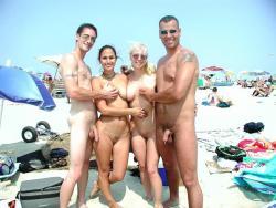 nudecouples.tumblr.com/post/27975767316/