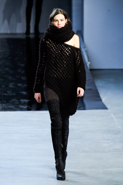 the-fashionhorse:  Helmut Lang Fall 2012.  via www.elle.com