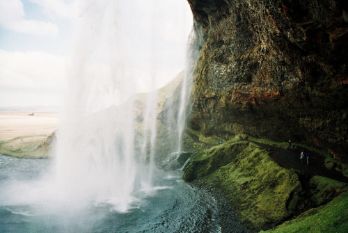 fasciner:  waterfall (by xTorfinnx)