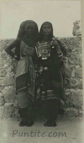 The women of Puntland: A rare photo of two Somali women in the Bari region of what is today known as Puntland ( taken in 1912).