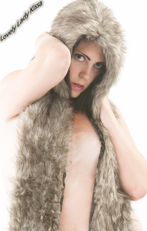 sexay? =^_^= (fake fur no worries) model: Lovely Lady Kissa @LovelyLadyKissa photography by Erasm Roterdamhttp://www.erasmroterdamphotoart.com/