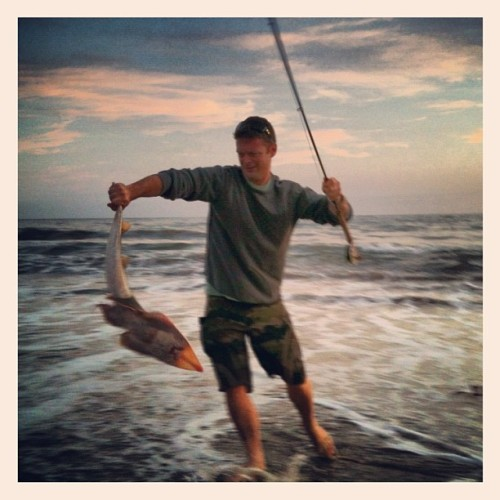 we got a live one! #fishing #santamonica #losangeles #ca #iphoneography  (Taken with Instagram at Venice beach)