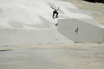 Ish Lipman, ollie into bank
