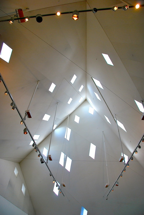 chungphotography:   Window & Light Contemporary Jewish Museum, San Francisco.  July, 2012.