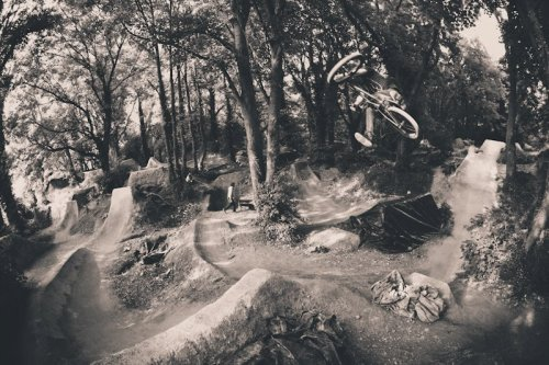 lightsinthewoods:  cutoffjeanshorts:  George Boyd at Barend Follow me for bmx/mtb blog :)   Really wish people wouldn't promote themselves, this isn't facebook.