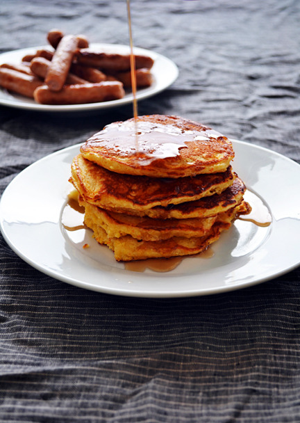 justbesplendid:  Cornmeal buttermilk pancakes by Dinners For Winners