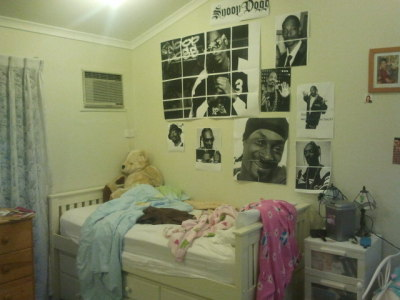 mrcraabs:  my sister is at a sleepover so i redecorated her room with snoop dogg