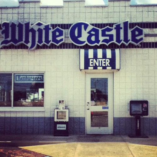 @annachristinebyrdd #whitecastle is amazing, I'm coming to kidnap you take you there make you eat their food and then take you home.😉 (Taken with Instagram)