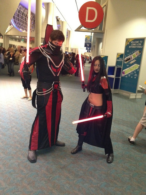 anariazarrel:  SWTOR Sith costumes at SDCC! :D I recognised the designs right away :)